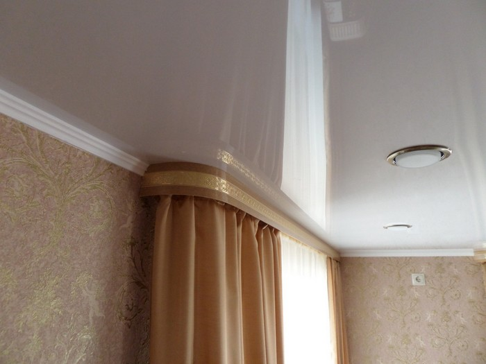 installation of a wall cornice with baguette in the case of suspended ceilings